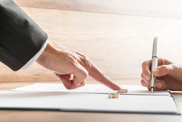 What Factors Are Considered In Property Division During a Florida Divorce?